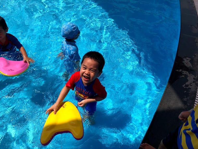 Lớp học bơi tại KIK Gamuda Gardens