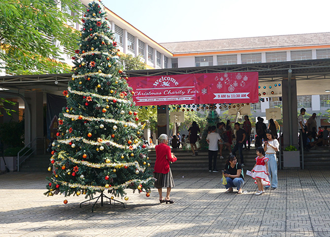 Merry Christmas 2019 at SIS Saigon South